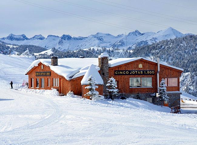 Baqueira-Beret: a paradise of ski, luxury and Cinco Jotas!