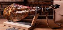La importancia de escoger un buen jamonero de madera