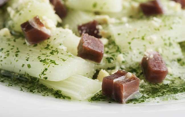 Cinco Jotas receta verduras con salsa de almendras